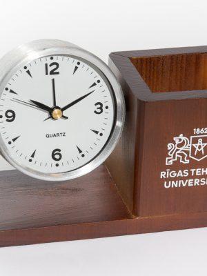 galda pulkstenis